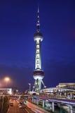 Österlänningpärlatorn på natten, Shanghai, Kina Arkivbilder