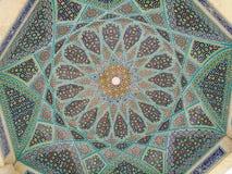 Österlänningprydnader och mosaiker av en moské Royaltyfri Foto