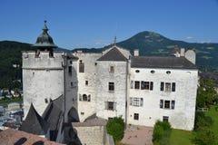 Österreich, Salzburg, Haus im Berg, Alpen, Architektur, Installation, Stadt, bequem, Tourismus, Mozart lizenzfreie stockbilder