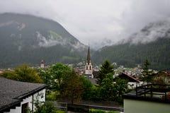 Österreichische Alpe-Stadt Pfunds Stockbilder