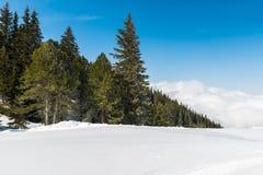 Österreichische Alpen im Winter Stockbilder