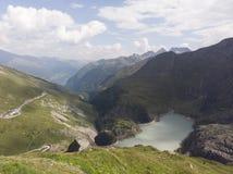Österreichische alphs und Berge lizenzfreies stockbild