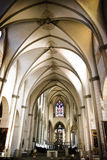 Österreichische Kirche mit einer weichen Leuchte stockfotos