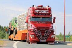 Österreichischer Show-LKW Super-Scania V8 in Lempaala, Finnland Stockbild
