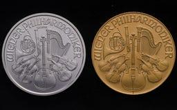 Österreichisches silbernes philharmonisches gegen Österreichisches Gold philharmonisch auf B Stockbild