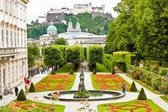 Österrike arbeta i trädgården mirabell salzburg royaltyfri fotografi
