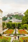 Österrike arbeta i trädgården mirabell salzburg arkivbild