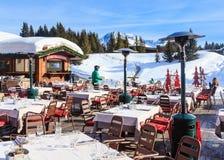 Österrike bergrestaurang schladming Ski Resort Courchevel i vintertid Fotografering för Bildbyråer