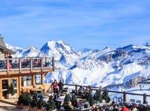 Österrike bergrestaurang schladming Ski Resort Courchevel i vintertid Royaltyfria Foton