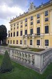 Österrike Wien Schonbrunn slott sommaruppehållet av den barocka balustraden Europa Arkivfoto