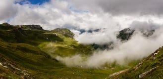 Österrikisk alpspanorama Royaltyfri Fotografi