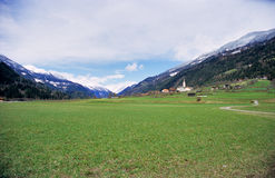 österrikisk lantlig by Arkivfoto