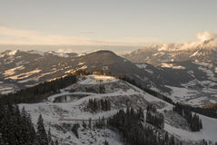 Österrikiska alps i vinter Arkivbild