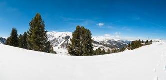 Österrikiska fjällängar, Mayrhofen skidar semesterorten Royaltyfria Foton