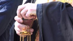 Östlicher orthodoxer Priester stock footage