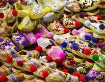 Östlig basar - handgjorda skor Bild av säljande punkt på Istan Arkivbild