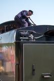 ÖSTLIG GRINSTEAD, VÄSTRA SUSSEX/UK - JULI 26: Brandman på U-grupplo Royaltyfri Bild