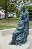 ÖSTLIG GRINSTEAD, VÄSTRA SUSSEX/UK - JUNI 13: McIndoe minnesmärke i E Arkivbilder