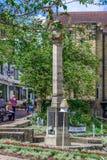 ÖSTLIG GRINSTEAD, VÄSTRA SUSSEX/UK - JUNI 17: Sikt av den höga Stren Arkivfoton