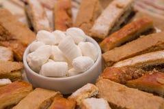 Östlig kokkonst - söt godis som göras från mjöl och socker (parvardaen) Arkivfoto