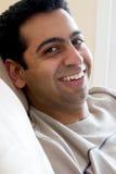 östlig lycklig indisk man arkivfoto