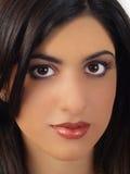 östlig medelståendekvinna för closeup Arkivbild