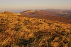 Östliga Beskids. Carpathians berg Arkivbilder