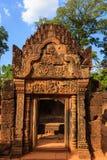 Östliga Gopura i den Banteay Srey templet, Cambodja Royaltyfria Bilder