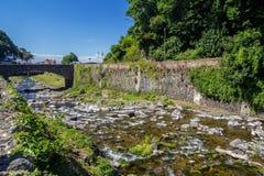 Östliga Lyn River bro över floden fotografering för bildbyråer