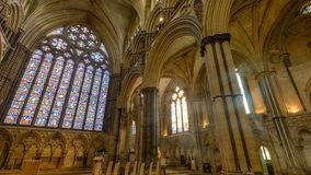 Östligt fönster och Angel Choir i Lincoln Cathedral arkivfoton