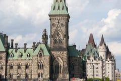 Östligt kvarter av parlamentet - Ottawa - Kanada fotografering för bildbyråer