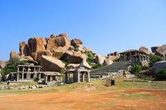 Östligt slut av den Hampi basaren, Hampi, Karnataka, Indien arkivfoton