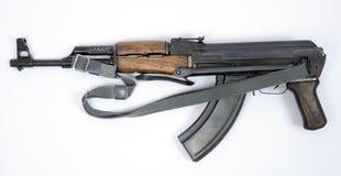 Östligt - tysk Kalashnikov AK47 med bajonetten Arkivfoto
