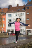 Öva för sport för kvinna stads- Royaltyfria Foton
