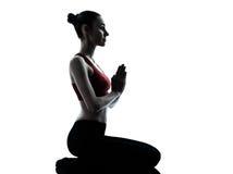 öva meditationkvinnayoga Arkivfoton