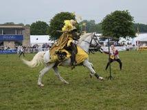 Övande jousting för riddare Royaltyfri Bild