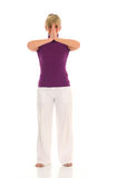 Övande yoga för kvinna Fotografering för Bildbyråer