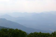över bergsmokey Royaltyfri Foto