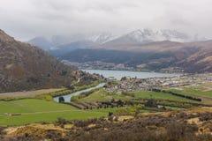 Över blick av sjön och berget Royaltyfria Foton