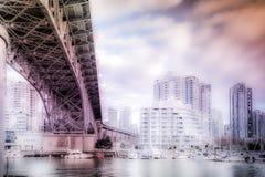Över bron Arkivfoto
