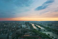 över den paris solnedgången Royaltyfria Foton