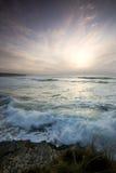 över den wispy havsskyen Royaltyfri Foto