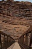 över floden för brocolorado fot fotografering för bildbyråer