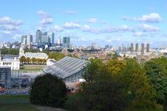 Över Greenwich parkera till Canary Wharf, London ryttareOS:er Royaltyfri Bild