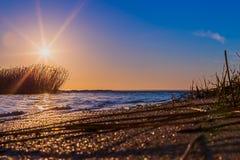 över havssoluppgång royaltyfri fotografi