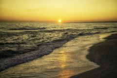 över havssoluppgång svart crimea hav arkivfoton