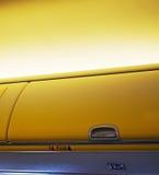 Över huvudet bagagerum för flygplan Arkivbilder