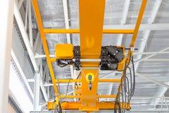 Över huvudet Crane Factory Arkivfoton