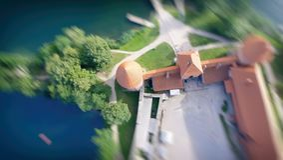 Över huvudet flyg- sikt av den medeltida slotten Arkivbilder