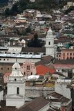 Över huvudet sikt av den gamla staden, Quito, Ecuador royaltyfri foto